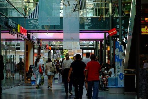 Romans Passage Mainz, Shopping Street, Shopping, People