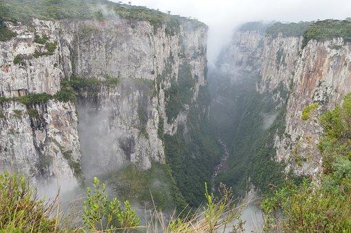 Canyon, Itaimbezinho, Aparados Da Serra, Brazil