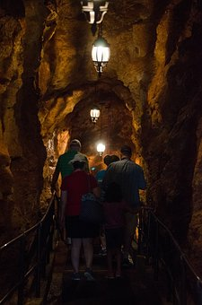 Crystal Caves, Bermuda, Tourism, Geology, Mysterious