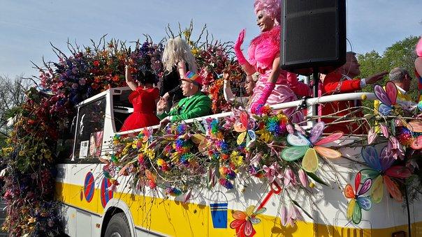 Flower Parade, Flowers