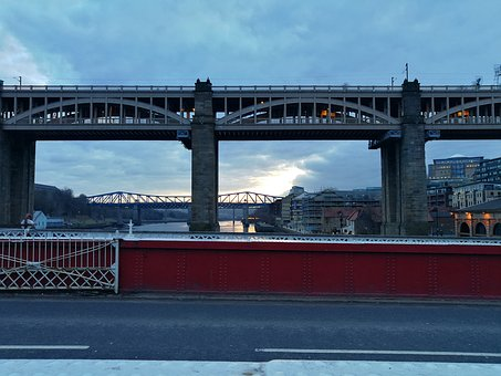 Newcastle Upon Tyne, Bridges, Swing Bridge
