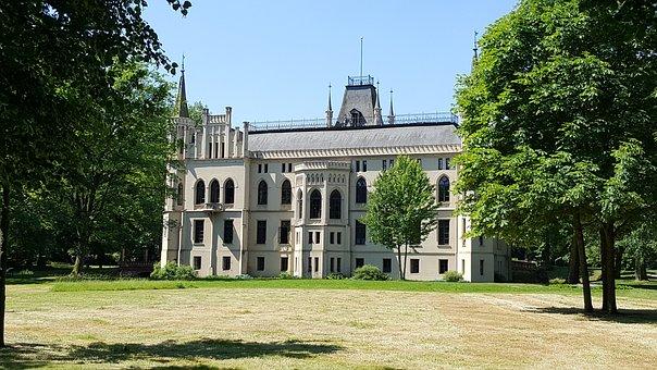 Evenburg, Castle, Building