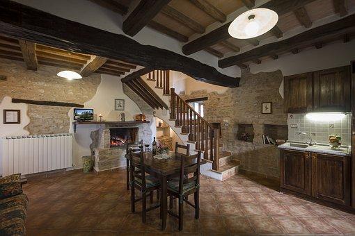 Acute Mountain, Kitchen, Suite