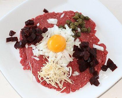 Tatar, Beef, Yolk, Raw Egg Yolk, Capers, Peberros