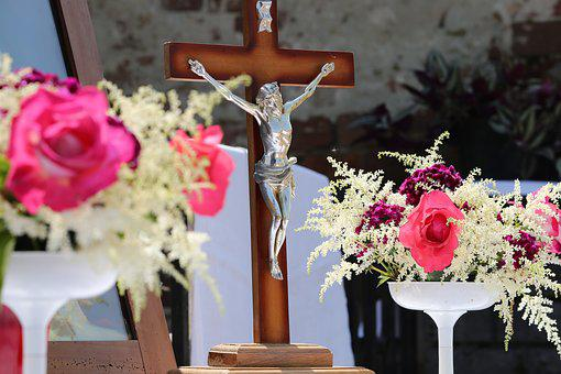 Corpus Christi Feast, Pink Roses, Procession, Tradition