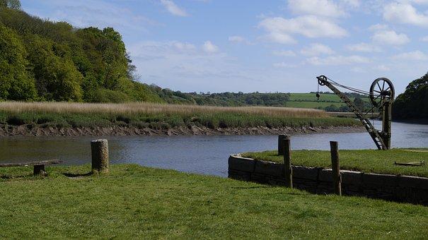 Water, Harbour Crane, Sky, River, Green