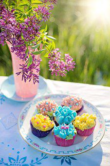 Cupcakes, Russian Tips, Lilacs, Summer, Treat, Snack