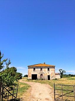 Cecina Di Mare, Italy, Country House, Farm, Cecina