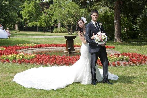 Photo Shoot, Park, Sun, Flowers, Bridal Bouquet, Bride