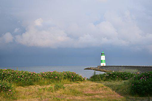 Lighthouse, Approximately, Clouds, Abendstimmung