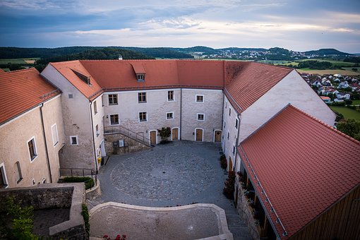 Castle, Burghof, Castle Courtyard, Restored, Renovated