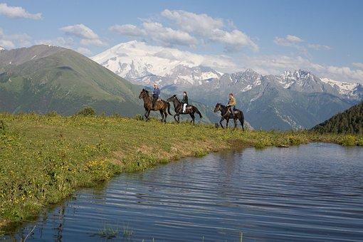 Elbrus Mountain, Cheeky, Karachaevo-cherkessia, Russia
