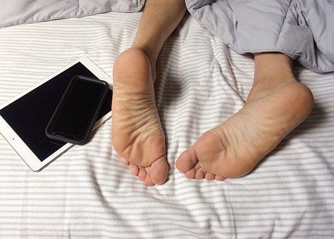 Feet, Bed, Sleep, Sleeping, Bedroom, Technology, Home