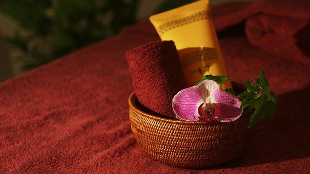 Este, Aroma, Body Treatments, Oil Massage, Salon