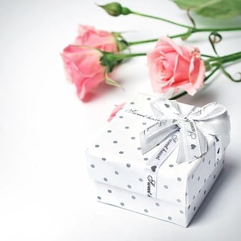Gift, Flowers, Roses, Bud, Beautiful, Holiday, Rose