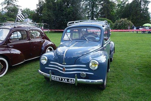 Old Cars, Renault 4cv, Pau