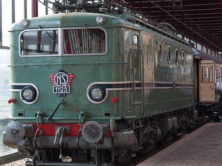 Train, Utrecht, Locomotive, Railway Line