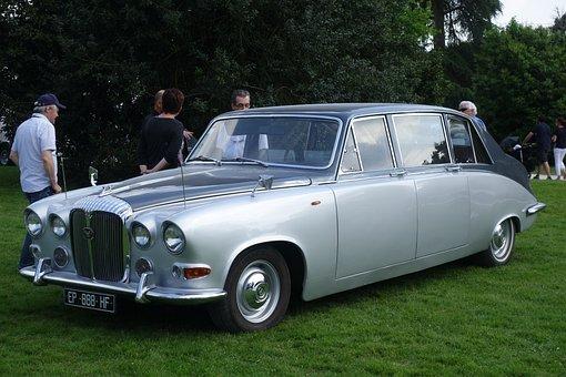 Old Cars, Daimler Ds420, Pau