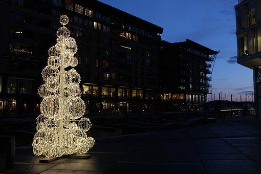 Oslo, Akerbrygge, Norway, Alexandra Gutthenbach-lindau