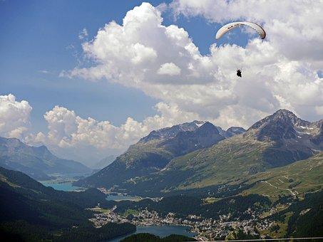 Paraglider, St Moritz, Oberengadin, High Inntal