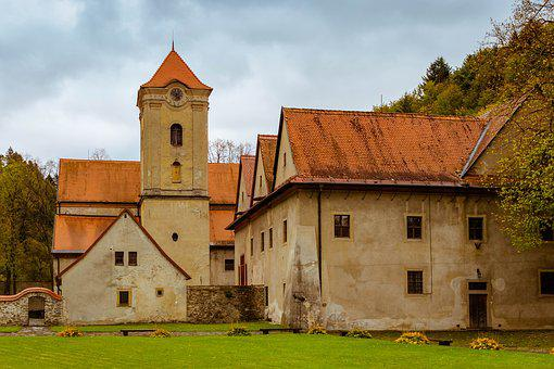 The Red Monastery, Slovakia, Monuments, Architecture