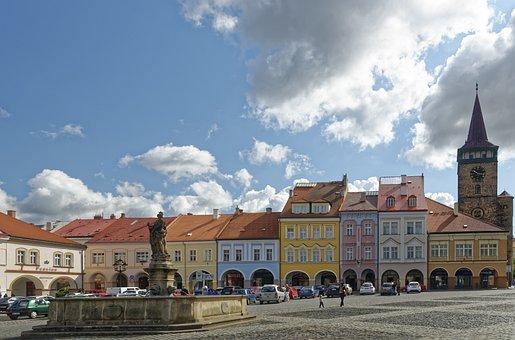 Czech Republic, Jičín, Wallenstein Square, Valdice Gate