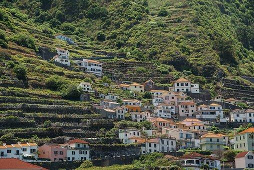 Portugal, Madeira, Porto Moniz, Village