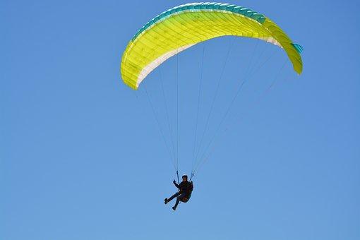 Paragliding, Paragliding Sailing Yellow Green