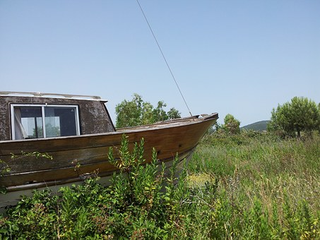 Boat, Prato, Abandoned, Browse, Sky, Grass, Holiday