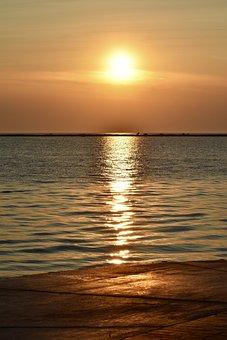 Sunrise, Beach, Water, Ocean, Dawn, Sky, Scenic