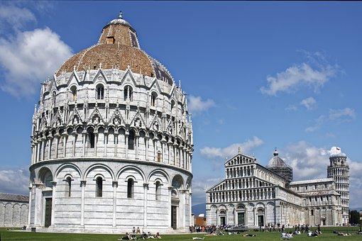 Italy, Tuscany, Pisa, Piazza Dei Miracoli