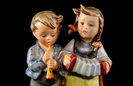 Hummel Figure, Porcelain, Goebel, Birthday Serenade