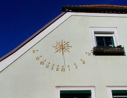 Sundial, Qualifying, Façade Ornaments