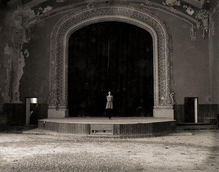Scene, Performance, Sepia, Spook, Girl, Estrada