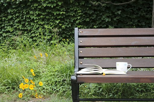Bench, Pause, Book