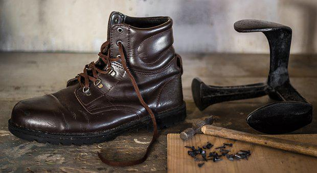 Shoemaking, Shoe, Shoemaker, Human, Hammer, Craft