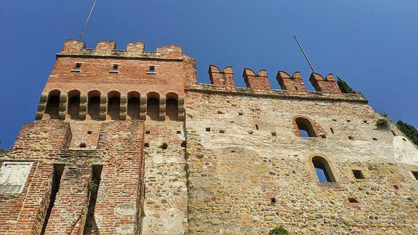 Upper Castle, The City Wall, Marostica, Enclosed Walls