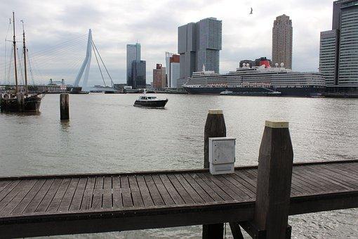 Rotterdam, Erasmus Bridge, New Mesh, South Holland