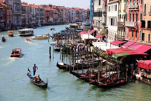 Venice, Canale Grande, Rialto Bridge, Gondolas