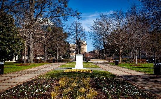 Kelly Ingram Park, Birmingham, Alabama, Statue