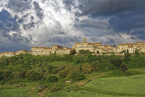 Italy, Toscana, Casole D'elsa, Historic Center
