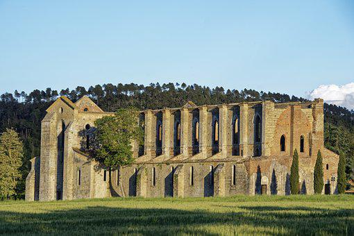 Italy, Tuscany, Abbazia San Galgano, Abbey, Church