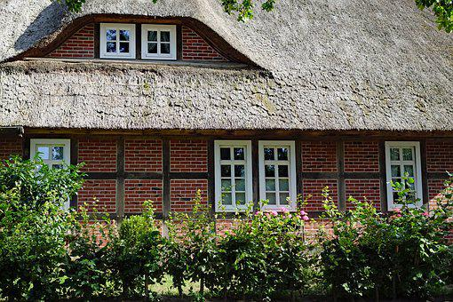 Thatched Cottage, Lüneburg Heath, House, Thatched Roof