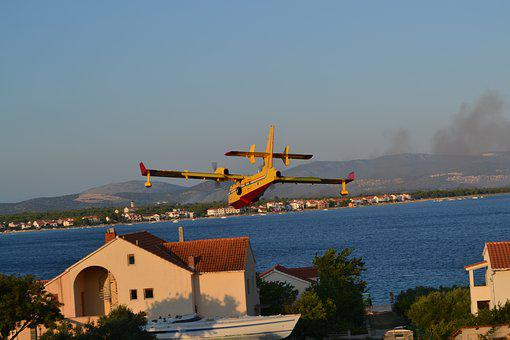 Canadair Firefighting Plane, Croatia, Dalmatia, Fire