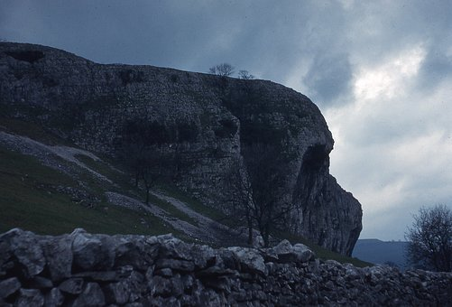 Kilnsea Crag Yorkshire, Yorkshire Dales
