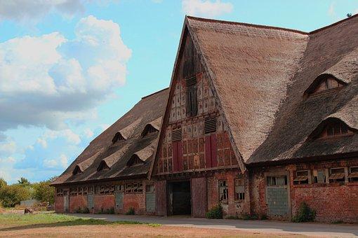 Historically, Stall, Walmfenster, Architecture