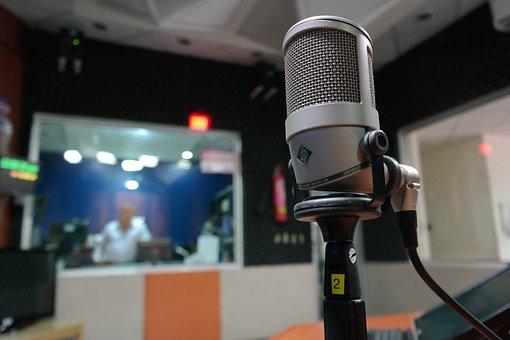 Microphone, I Am A Student, Radio, Radioenvivo, Music