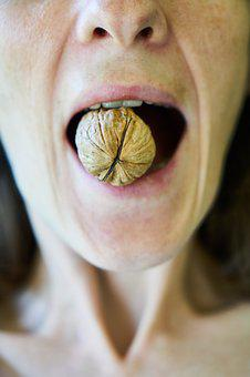 Walnut, Woman, Food, Taste, Sarmiento, Healthy, Shelled