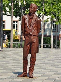 Moritz Daniel Oppenheim, Statue, Freedom Square, Hanau