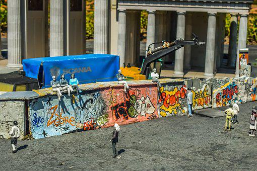 Mini Europe, Miniature Park, Berlin Wall, Demolition